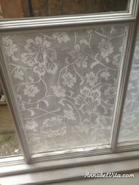 Lace-cornstarch-window-treatment02
